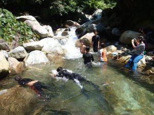 イワナ滝で遊ぶ01